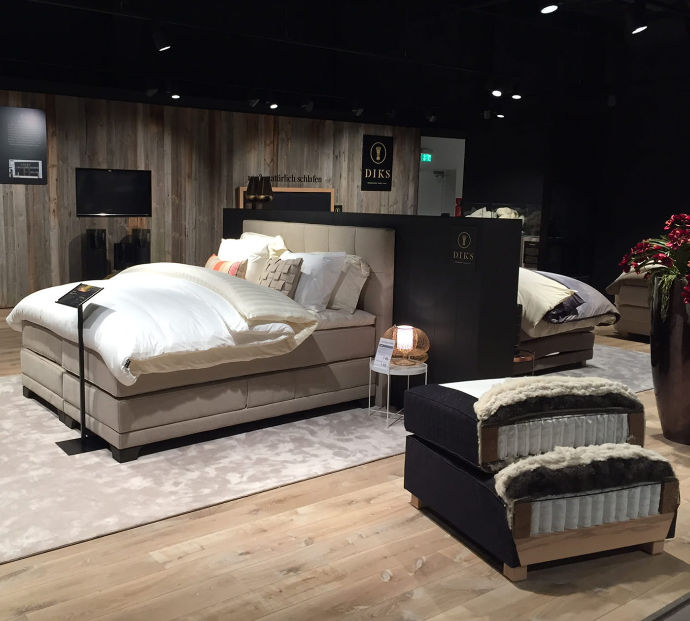 boxspring n rnberg bezoek onze swiss sense winkel in m nchen. Black Bedroom Furniture Sets. Home Design Ideas