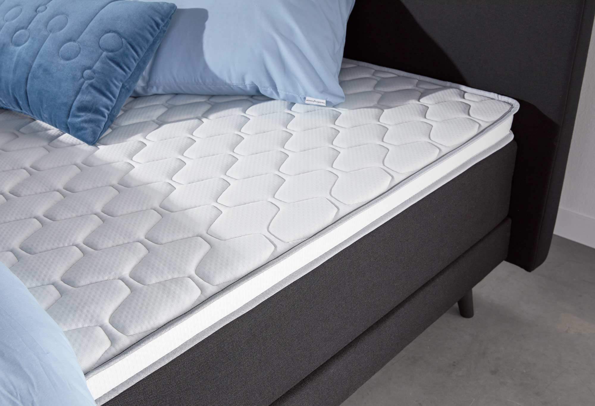 Boxspring Web-Only Sparkle Deluxe Detail 02 | Swiss Sense