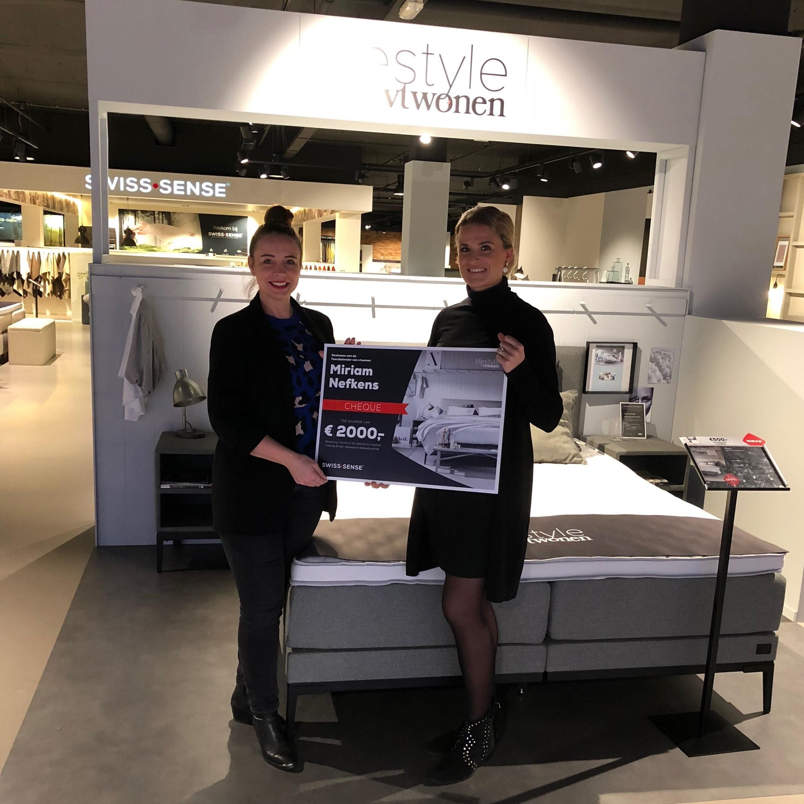 Miriam wint boxspring Thyme met vtwonen feestkalender | Swiss Sense